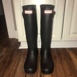 Black matte Hunter boots - size 7